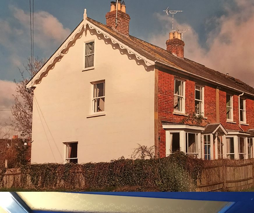 3 Riverside, Whitchurch, Hampshire, RG28 7LW